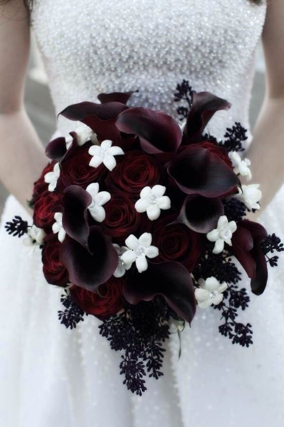 dark red and white halloween wedding bouquet / http://www.himisspuff.com/halloween-wedding-ideas/10/