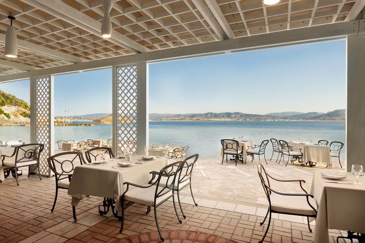 Visit Ramada Loutraki Poseidon Resort and savor Greek sea food mezze next to the crystal clear waters of the Corinthian Gulf!