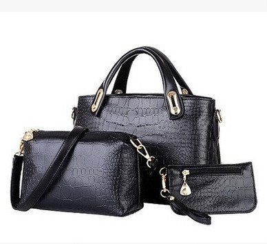 Set in Leather with Handbag, Shoulderbag and Purse