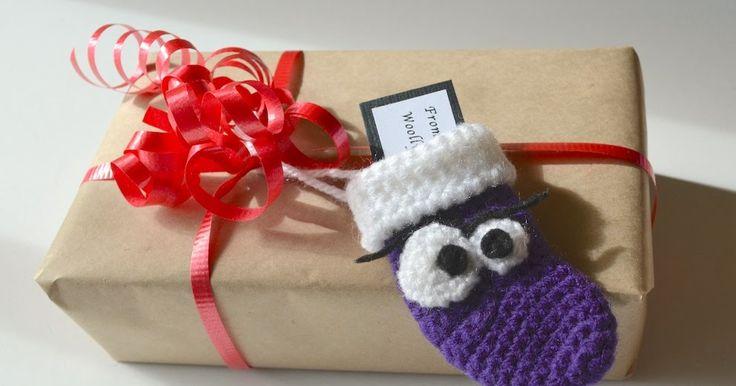 Hallojsan Som jag skrev i mitt tidigare inlägg så har jag virkat ett par mini julstrumpor från ett mönster av Woolly Toons . Nu har ja...