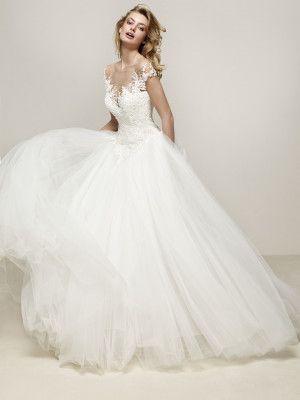 Drosel: Romántico y majestuoso vestido de novia princesa - Pronovias   Pronovias