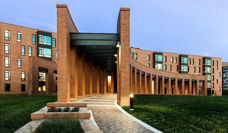 University of Wisconsin Oshkosh - Horizon Village (New Residence Hall)    Pedestrian Approach to Main Entrance