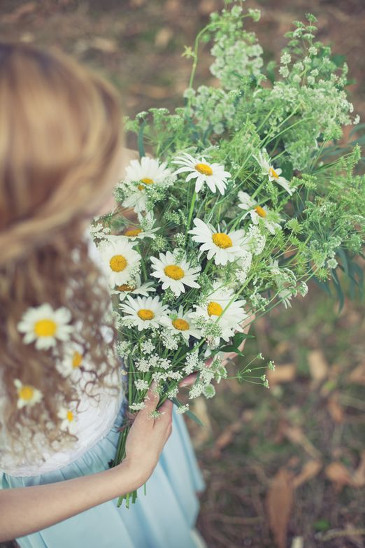 Wild bridal bouquet of ox-eye daisies and cow parsley // Flowers by Catkin // The Natural Wedding Company