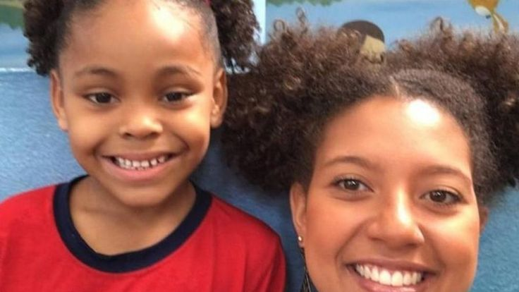 Brazil teacher changes hairstyle to support bullied girl - BBC News