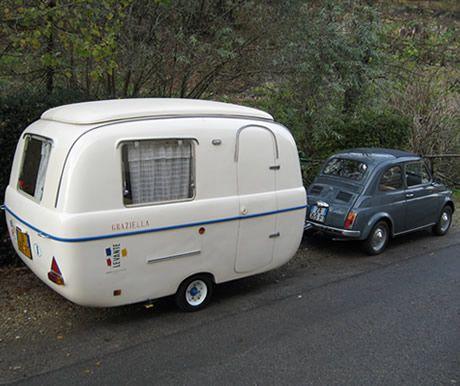 les 25 meilleures id es de la cat gorie petite caravane. Black Bedroom Furniture Sets. Home Design Ideas