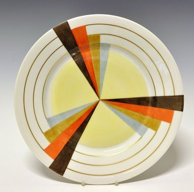 Dinner plate by Nora Gulbrandsen for Porsgrund Porselen. Production year 1927-37. Model 15.00  Decor 5470