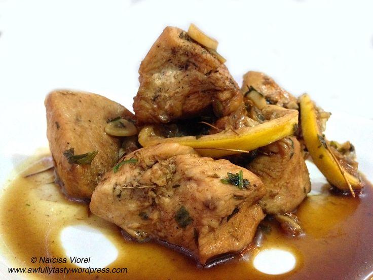 Piept de pui cu lamaie si sos de soia.  Lemon and soy sauce chicken breast