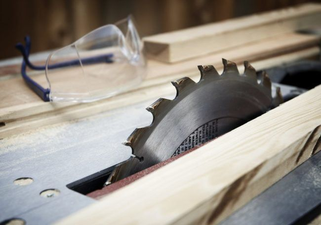 What S The Difference Miter Saw Vs Table Saw Table Saw Woodworking Saws Woodworking Table Saw