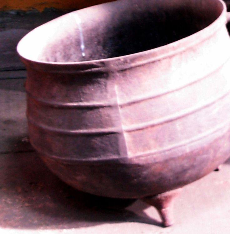 Pote de hierro, Antiguedades Carroza