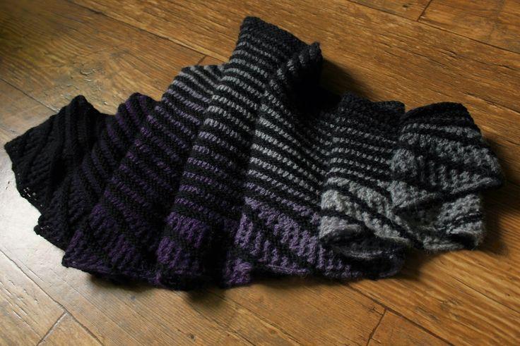 knitting, druty, shawl, chusta, pattern: Nymphalidea by Melinda VerMeer, Aade Long 8/2, Merino Gold, handmade by Kassy