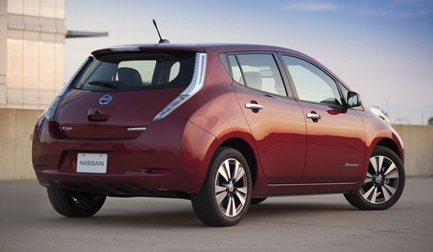 Nissan LEAF review from plugincars.com