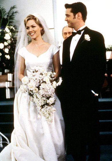 Jennie Garth Kelly (Garth) and Brandon (Jason Priestley) got cold feet in a 1998 wedding special of Beverly Hills 90210.