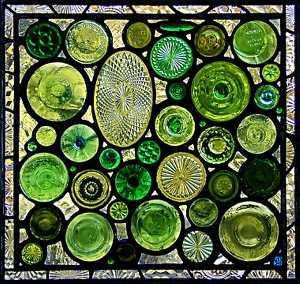 recycled glass bottles: Idea, Craft, Stainedglass, Window, Glasses, Green, Glass Bottles, Bottle Bottom, Stained Glass