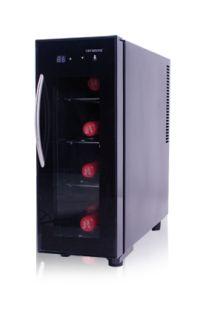 Vinoteca de Cavanova con capacidad para 4 botellas con termo eléctrico y display digital electrónico. La vinoteca funciona sin compresor evitando la fatiga del vino y lo convierte en un climatizador muy silencioso. La puerta tiene cristal doble protegido de los rayos UV, €116,99
