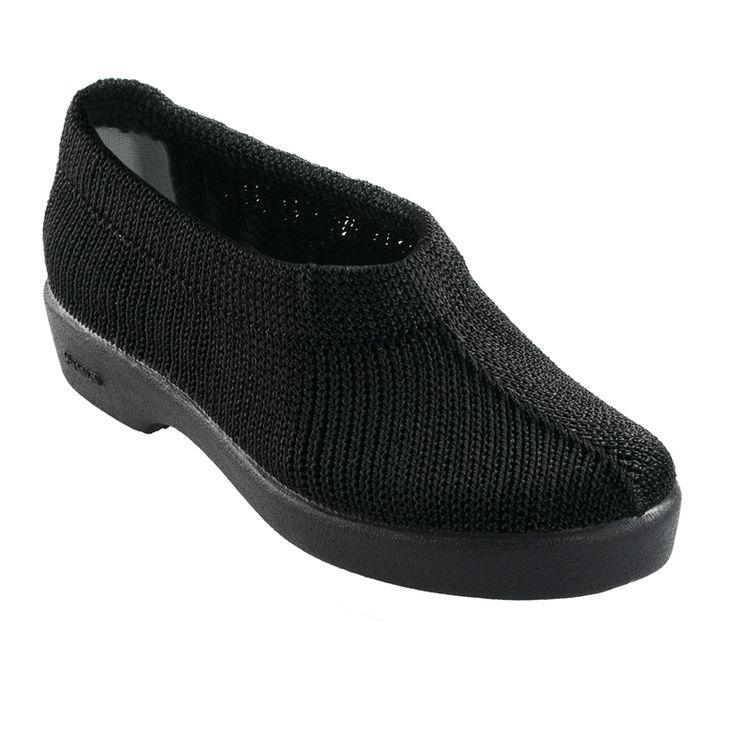 Sapatos de Conforto em Malha, proporcionam uma sensação de bem-estar, leveza e conforto ao longo de todo o dia. São antiderrapantes e laváveis na maquina.