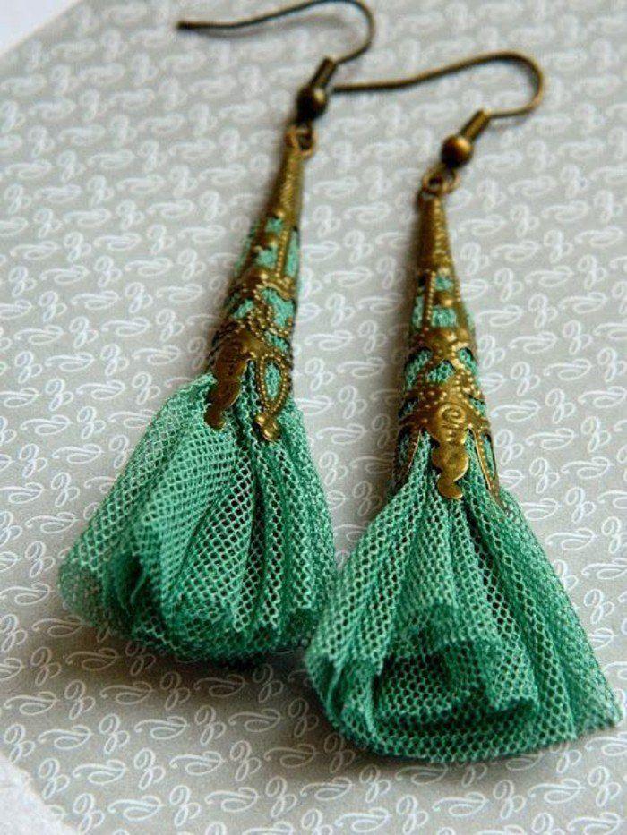 boucle d'oreille diy en matière fabrique verte, idée de bijou fantaisie à faire soi meme