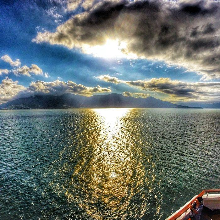 Pôr do sol durante um cruzeiro marítimo  Leia no blog Sempre Viajar  http://www.sempreviajar.com.br/brasil/vale-a-pena-fazer-um-cruzeiro-maritimo  #pullmantur #cruzeiro #cruzeiromaritimo