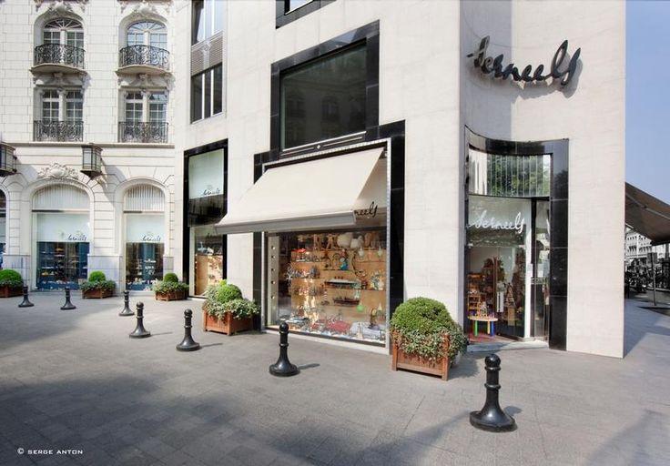 Serneels - Avenue Louise - Bruxelles (Le magasin de jouets)