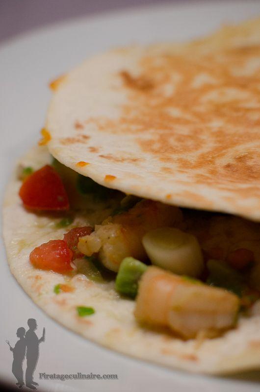 Quesadillas aux crevettes, à la salsa de tomate et d'avocat | Piratage Culinaire