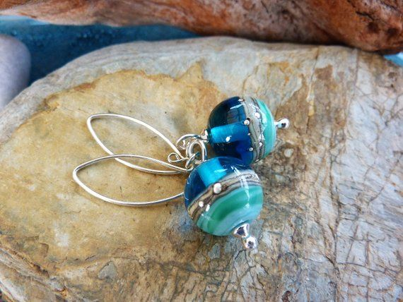 Deep Blue Sea Silver Fish Bracelet handmade glass beads Beach Art Glass UK