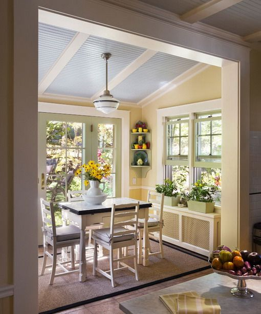 Do you have space for a breakfast nook? Love these ideas! #cozynooks #homeideas