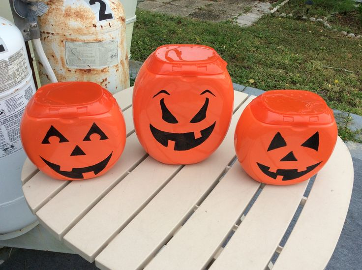 Pumpkins made out of Tide pod containers