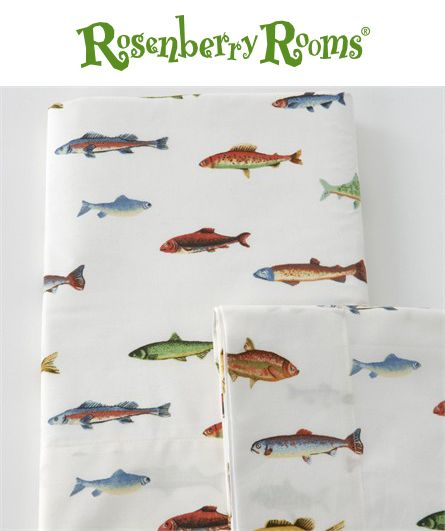Complete your nature themed boy's bedroom with Traditions Linens Tommy's Fish Sheet Set.   This boy's sheet set is made of 280 thread count 100% Egyptian cotton