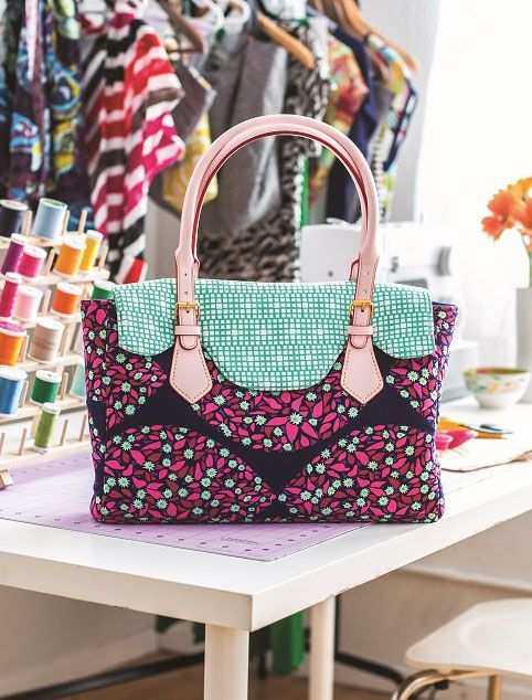 Create this cute satchel using your favorite fabric and some chic leather handles. Please be aware this download is for the pattern templates only. Buy a copy of Love Sewing issue 28 to find your i…