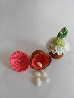 (Crochet) How To - Crochet a Mini Cup Cake - YouTube