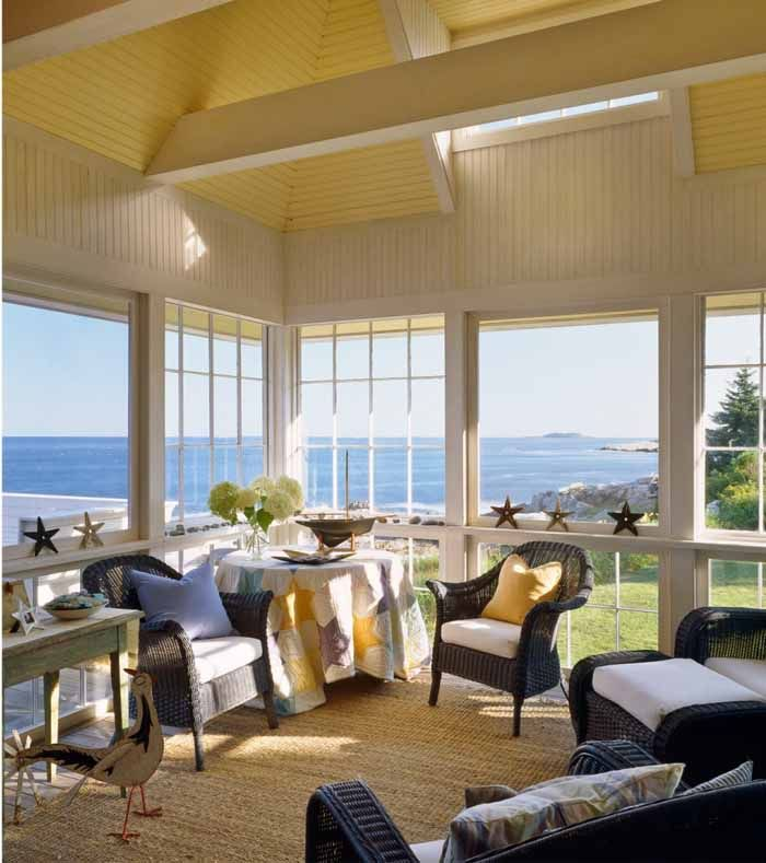 Beach Cottage With A Fabulous 3 Season Screened