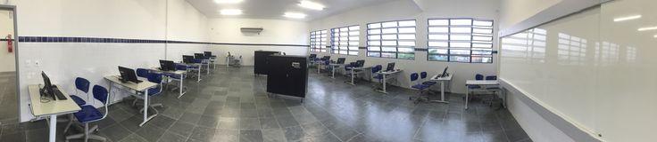 Laboratório de informática do Ensino fundamental e médio de Praia Grande SP