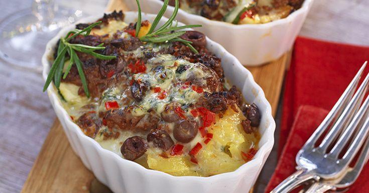 Potatisgratäng med färs och mild ädelost recept