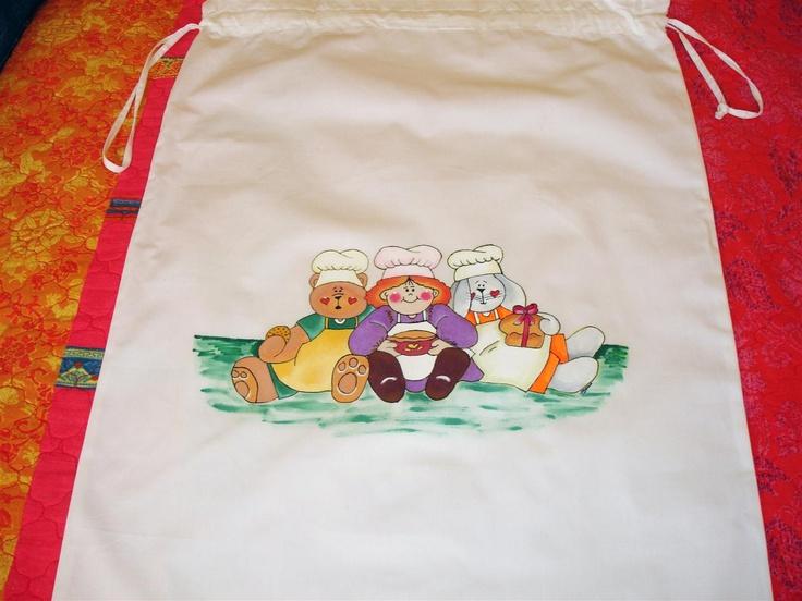 Bolsa multiusos en algodón 100% pintada con pincel. Diseños exclusivos y pinturas holandesas libres de toxicidad. Resistente a los lavados, aunque se recomiendo lavarla a mano para un mayor rendimiento.    Tamaño: 65 x 45 cm