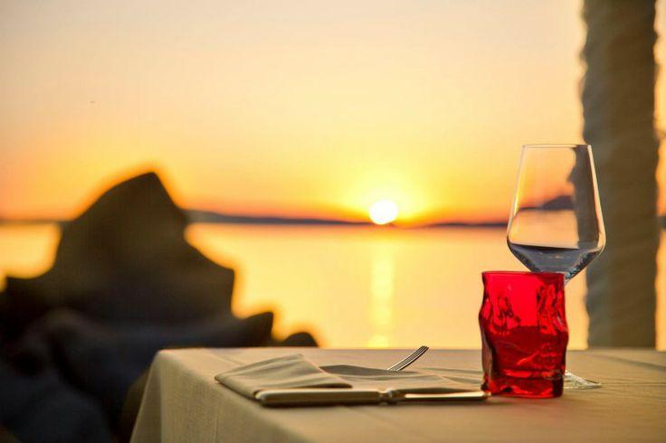 Phi Restaurant - Baia Sardinia, Italy http://www.hotelsinsardinia.org/gastronomy/restaurants/lounge/
