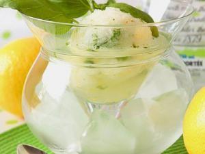 Sorbet citron et basilic sur vodka au limoncello façon trou normand • Hellocoton.fr