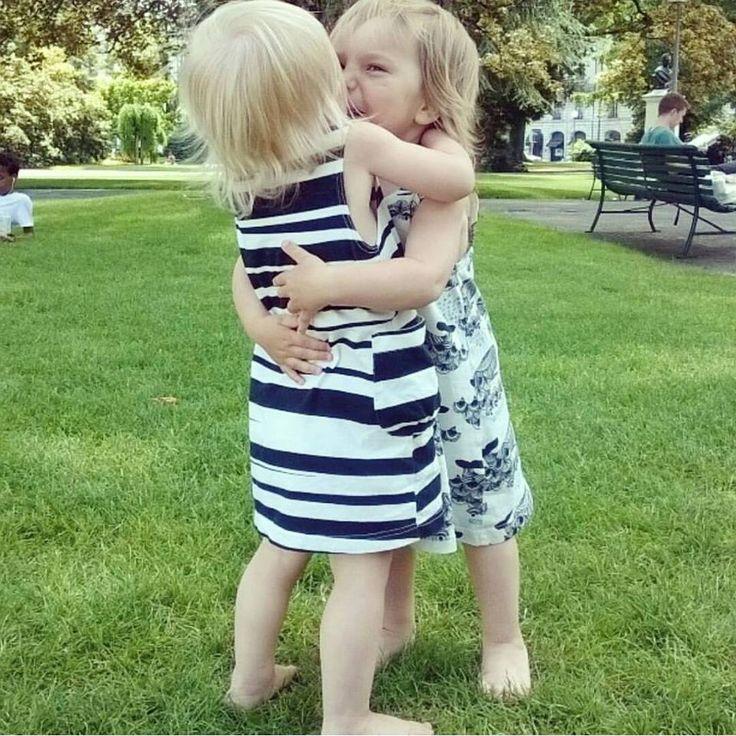 L'amitié dès le plus jeune âge! Très bon week end.