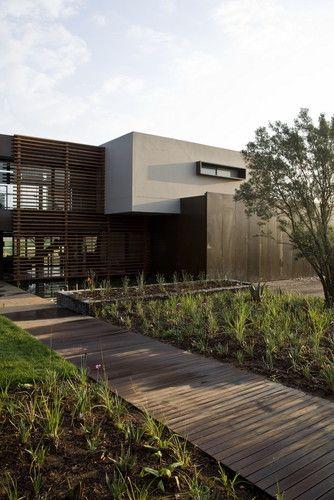 Serengeti House - contemporary - exterior - Nico van der Meulen Architects