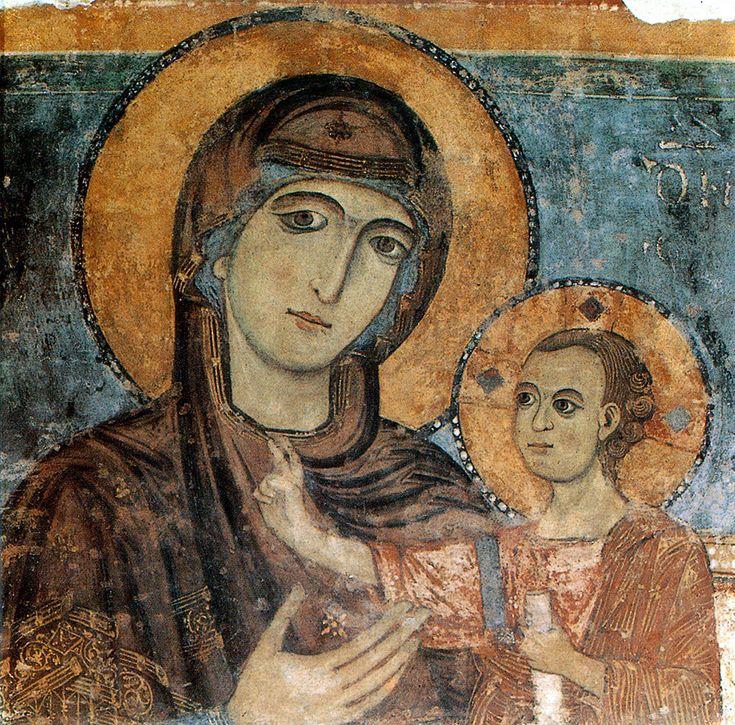 Madonna della Bruna con Bambino, affresco, 1270 circa, navata sinistra.della Cattedrale di S.Maria della Bruna a Matera
