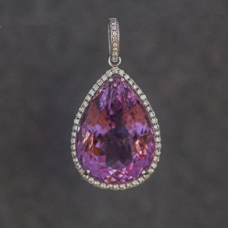 Amethyst and diamonds , gold 1499 €