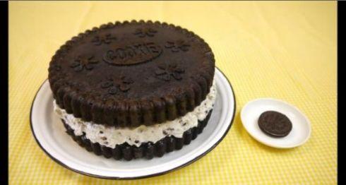 作業音たまらーん! 巨大「オレオ」風ケーキの作り方解説動画からおいしさがあふれ出す - ねとらぼ