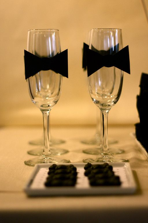 Black and White Dessert Table.. Am love'n the black tie on the glasses, very classy!: