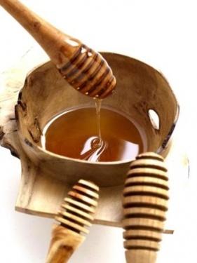 Niall Miller Honey Spoons from the Leitrim Design House.  http://www.mycarrick.ie/116/Leitrim-Design-House