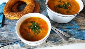 Tyrkisk linsesuppe