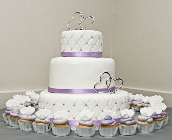The 25+ best Quilted wedding cakes ideas on Pinterest | Diamond ... : quilting on a cake - Adamdwight.com