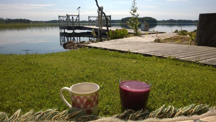 #aamukahvilla kotipihalla  #kesä #luonto #piha #Puruvesi  #Punkaharju #Suomi #houseforsale #Finland #summer #garden #lake