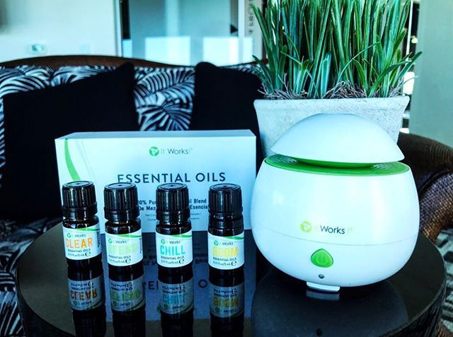 What a treat it is for your guests to be able to relax with our Essential Oils during a Wrap Party! It's like the spa in your own home! #WeMakeOilsCool