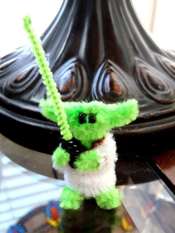 STAR WARS Mini Yoda Pipe Cleaner Creation van Fuzzington