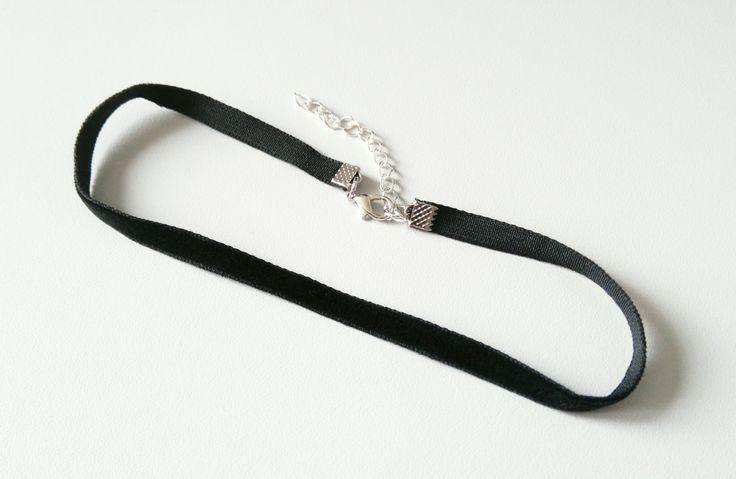 Schmaler Samt Choker schwarz | Samt Halsband 6 mm | Samtchoker | 90er Jahre | Choker Kette | Velvet Choker | schlicht von Nesherim auf Etsy