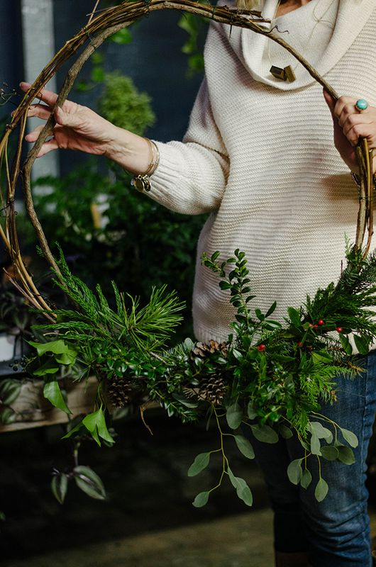 holiday wreath ideas hoop wreath with berries and vines