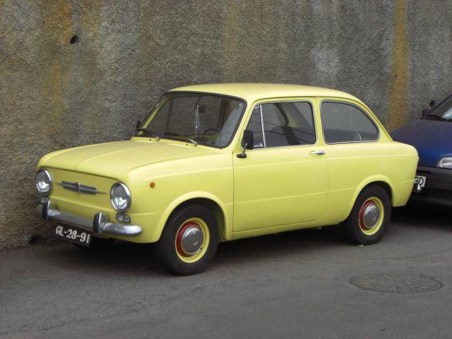 Fiat 850 coach années 1960 (Madère 2009)